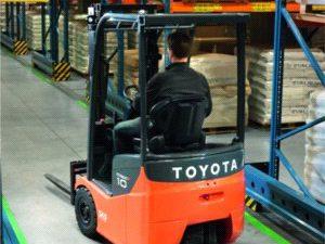 Wózek Toyota Tonero wygrywa w testach