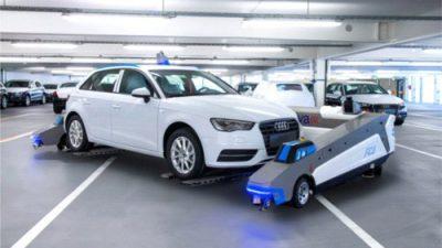 W fabryce Audi roboty transportują samochody