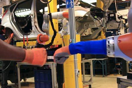 Ford sięga po roboty współpracujące (VIDEO)