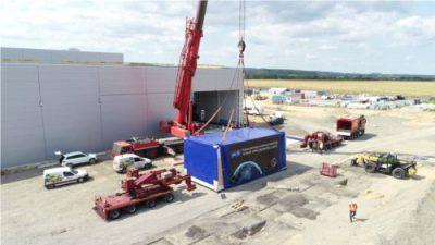 Supernowoczesna aparatura kontrolno-pomiarowa przyjechała do fabryki w Jaworze