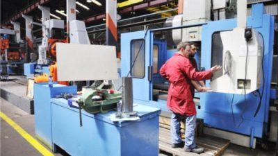 Sektor produkcyjny inwestuje w pracowników