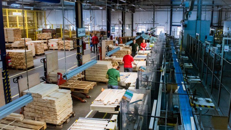 VELUX częściowo wznowi produkcję w Polsce 14 kwietnia