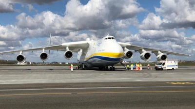 An-225 Mrija wylądował w Warszawie