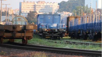 Transport kolejowy: za długo i za drogo