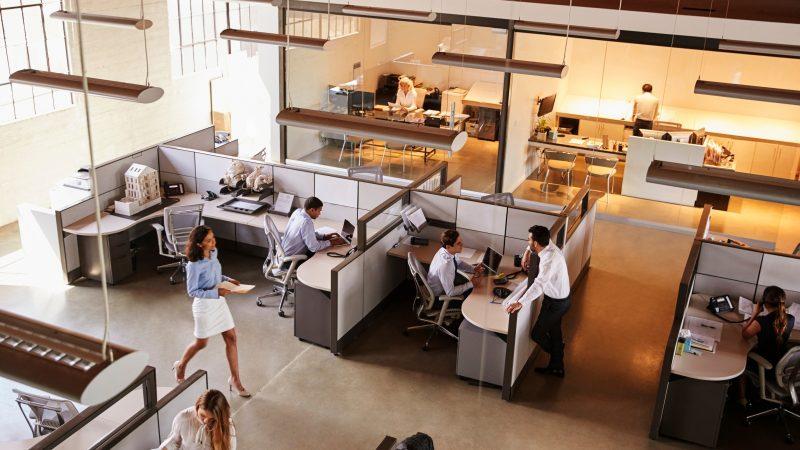 Powrót pracowników do biur – jak podołać wyzwaniom