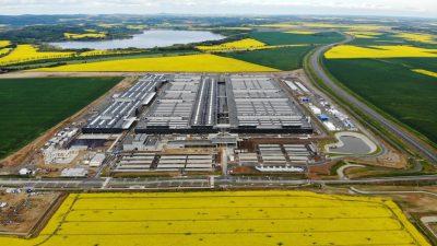 Ruszają fabryki Mercedesa – także w Polsce