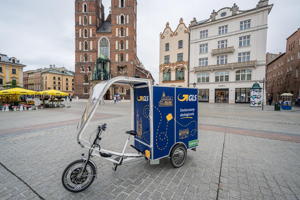 Szybka Paczka GLS teraz w Krakowie. W Polsce zadebiutował też rower kurierski.