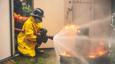 Pożar w zakładzie produkcyjnym