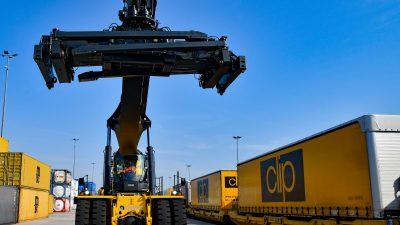 Najnowocześniejsze na świecie reachstackery na Terminalu Intermodalnym CLIP w Swarzędzu