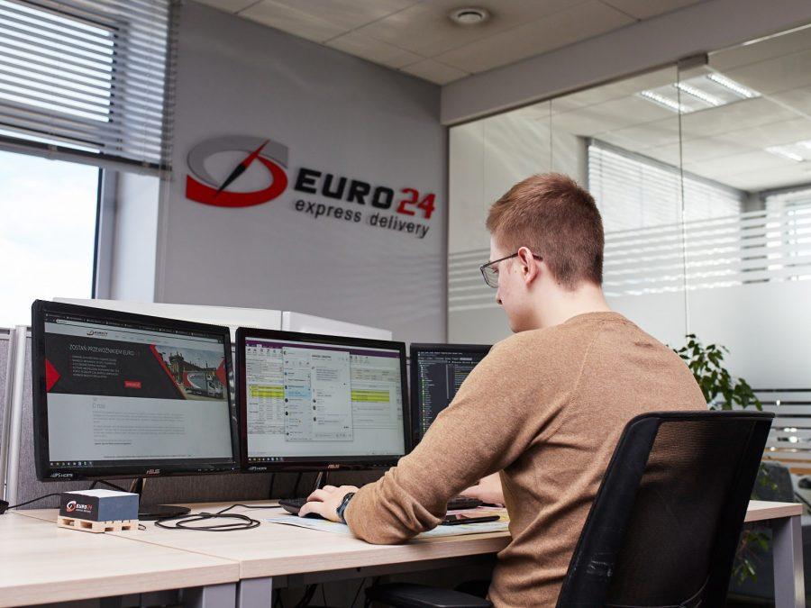 Monitoring realizacji transportu towarów