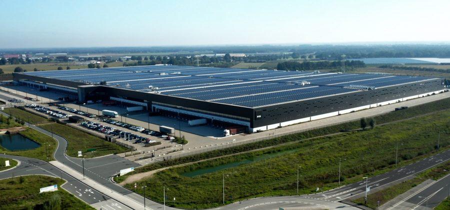 Magazyn PVH i najwydajniejszy dach solarny