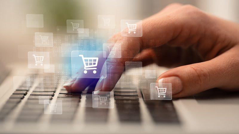 Zwracamy 1 na 10 produktów kupionych online
