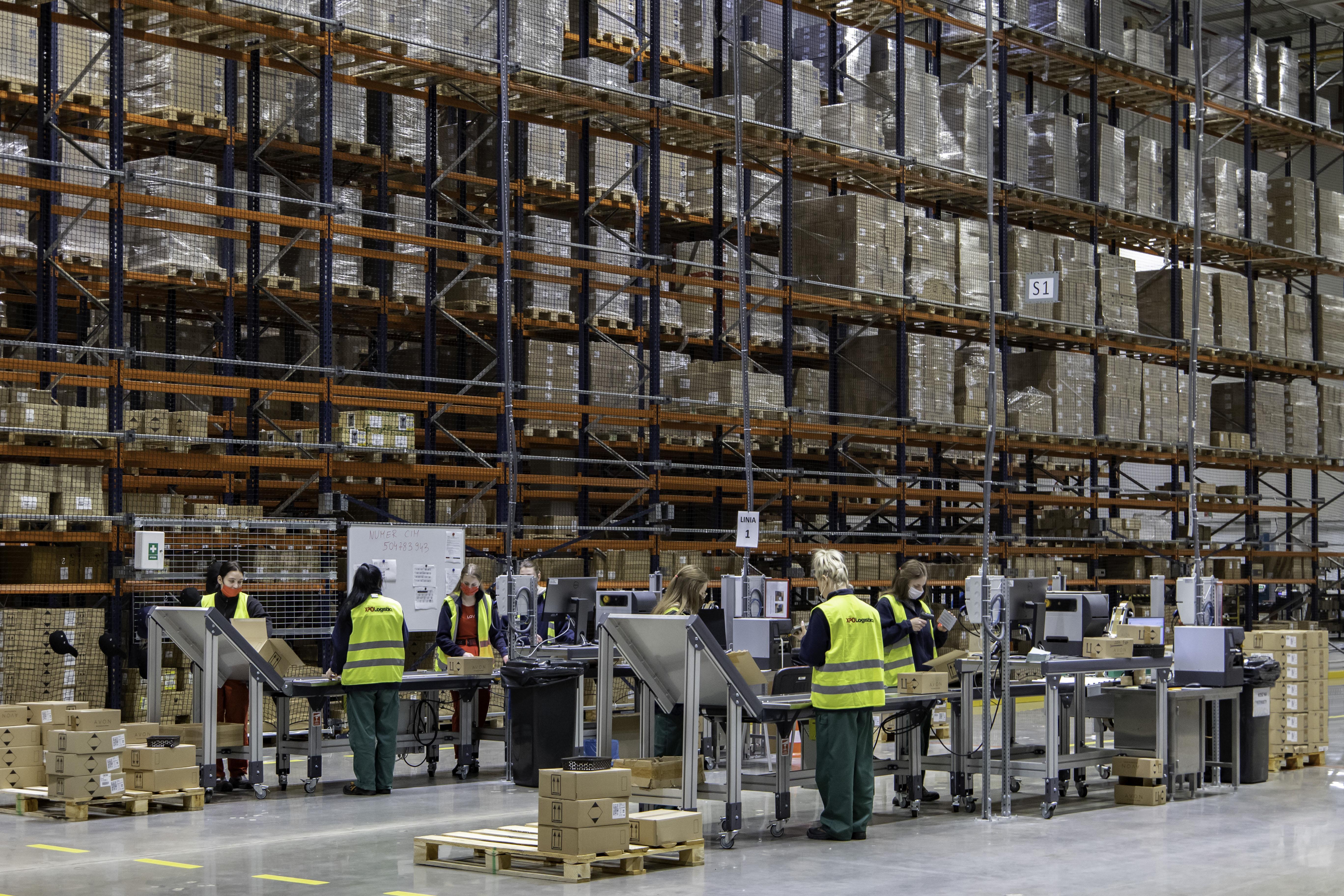 XPO Logistics rozszerza współpracę z Avon o nową usługę serializacji i znakowania produktów