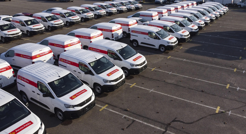GEFCO dostarcza nowe auta dostawcze dla Poczty Polskiej