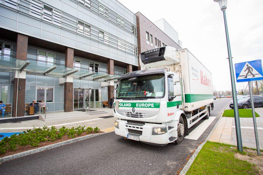 Nestlé przekazuje medykom żywność z charytatywnym wsparciem Raben