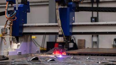 SUNEX patentuje automatyczną linię produkcyjną systemów montażowych OZE