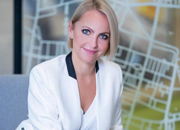 Kobieca strona DHL Supply Chain