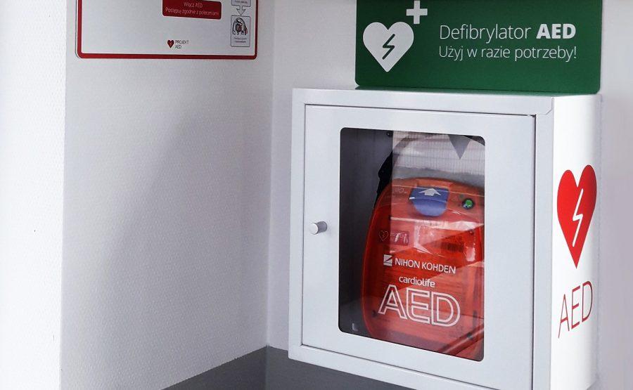 Prologis wyposaża parki w defibrylatory