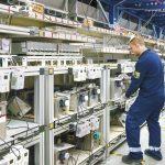 Dzięki zróżnicowanym regałom, półkom, trolejom i pojemnikom w magazynie LTLS udało się pomieścić od najmniejszych do największych części zamiennych.