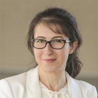 Dr Aneta Pluta-Zaremba